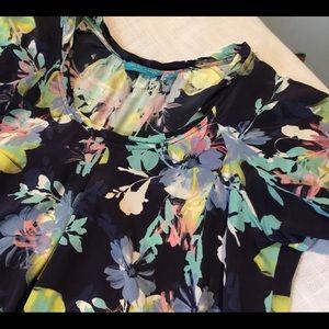 Tori Richards 100% silk blouse, size 8